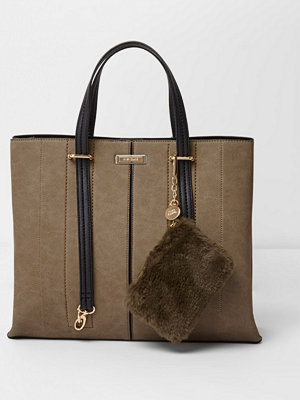River Island omönstrad väska Khaki long handle pouchette tote bag