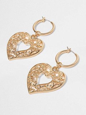 River Island örhängen Gold tone heart dangle hoop earrings