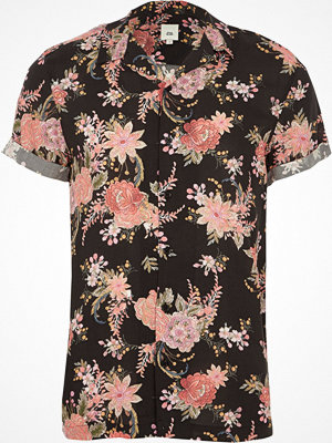 River Island Black floral print short sleeve revere shirt