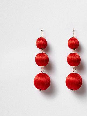 River Island örhängen Red triple ball drop earrings
