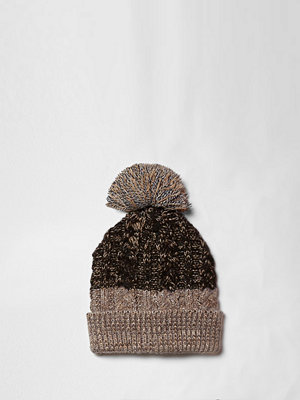 Mössor - River Island Brown cable knit bobble beanie hat