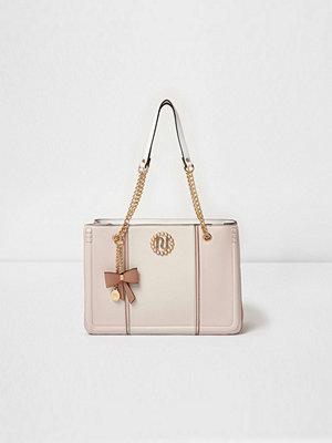 River Island omönstrad väska Light Pink metallic tab faux pearl tote bag