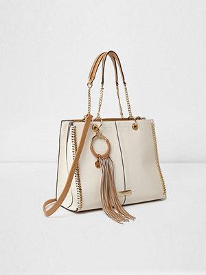 River Island omönstrad väska Cream and tan fringe hoop chain trim tote bag