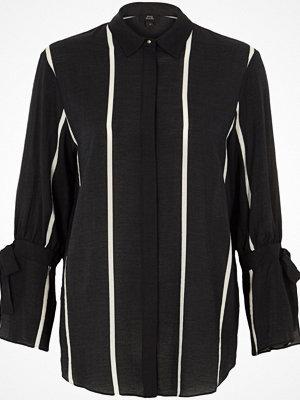 Skjortor - River Island Black stripe print tie sleeve shirt