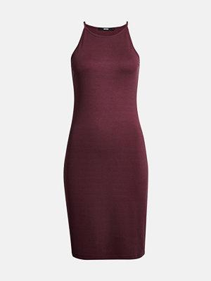 Bik Bok Iris klänning - Vinröd