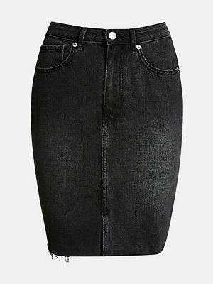 Bik Bok Rainy BLK kjol - Svart