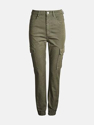 Bik Bok omönstrade byxor Ingvill cargo trousers - Mörkgrön