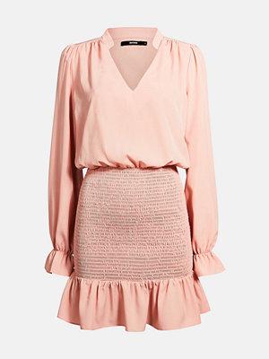 Bik Bok Willow smocked dress - Ljusrosa