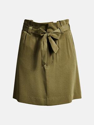 Bik Bok Wingy paper bag skirt - Olivgrön