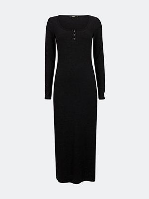 Bik Bok Twigs långärmad klänning - Svart