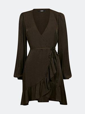Bik Bok Dreamer omlottklänning - Mörkbrun
