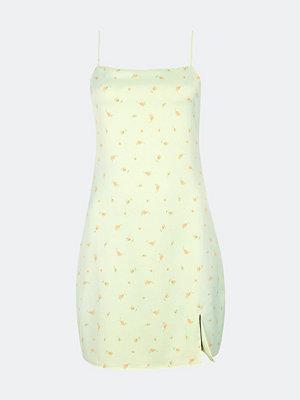 Bik Bok Alicia klänning i satin - Multi