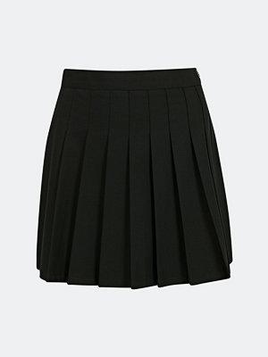 Bik Bok Sporty veckad kjol - Svart