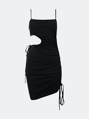Bik Bok Zoey klänning med knytband - Svart