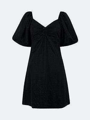 Bik Bok Meadow klänning med knytband - Svart