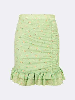 Bik Bok Enchanted kjol med volangavslut - Grön