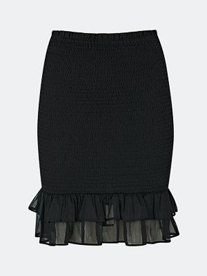 Bik Bok Kate smockad kjol - Svart
