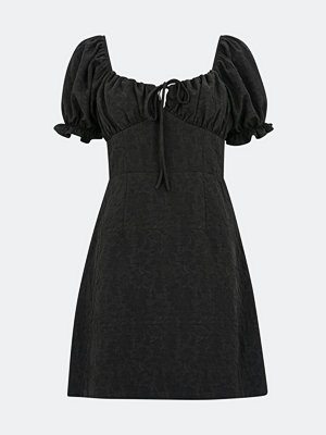 Bik Bok Gossip kort klänning - Svart