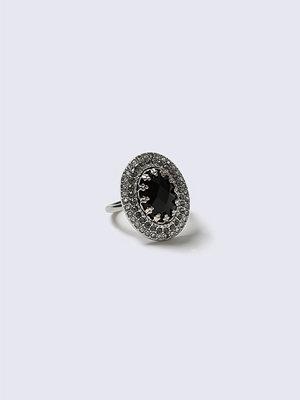Gina Tricot Black Vintage Rhinestone Statement Ring