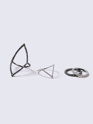 Gina Tricot Silver Crystal Traingle Ring Pack