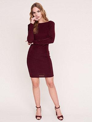 Gina Tricot Tissy klänning med öppen rygg