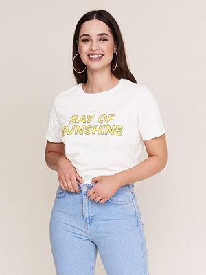 T-shirts - Gina Tricot Ivory t-shirt