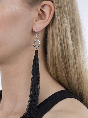 Gina Tricot örhängen Black Circle Tassel Drop Earrings