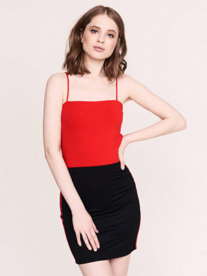 Gina Tricot Scarlet linne