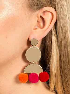 Gina Tricot örhängen Gold Look Drop Pom Pom Earrings