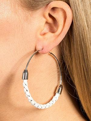 Gina Tricot örhängen White Plait Hoop Earring