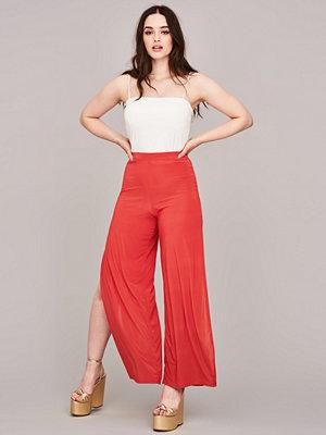 Gina Tricot röda byxor Sadie slit trousers