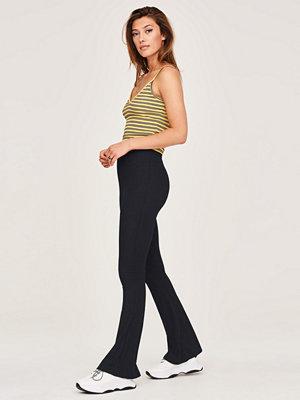 Gina Tricot svarta byxor Filippa rib trousers