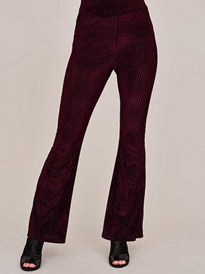 Gina Tricot randiga byxor Rivi velvet trousers