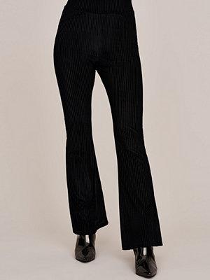 Gina Tricot svarta byxor Rivi velvet trousers