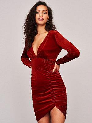 Gina Tricot Cassie klänning i sammet