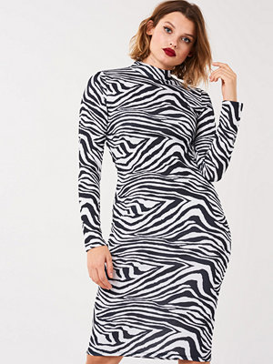 Gina Tricot Zebra turtleneck dress