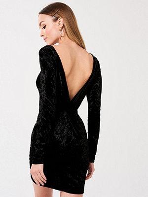 Gina Tricot Julie klänning med öppen rygg