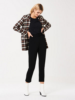 Gina Tricot svarta byxor Hedvig belted trousers