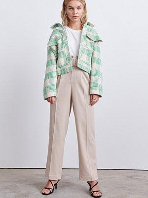 Gina Tricot ljusgrå byxor Luna belted trousers