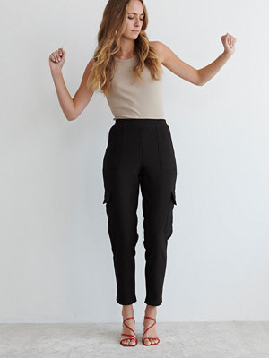 Gina Tricot svarta byxor Milly cargo trousers