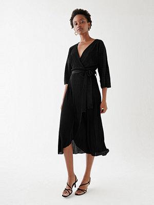 Gina Tricot Vivianne wrap dress