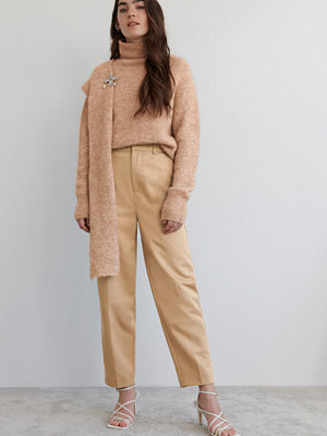 Gina Tricot beige byxor Parks trousers