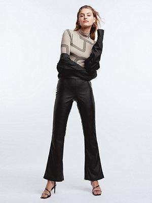 Gina Tricot svarta byxor Penny pu trousers