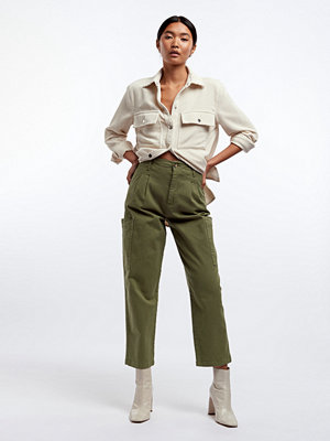 Gina Tricot omönstrade byxor Pleated cargo pants