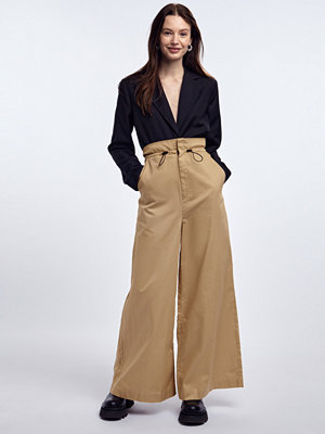 Gina Tricot omönstrade byxor Elina trousers