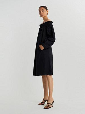 Gina Tricot Kamila off shoulder dress