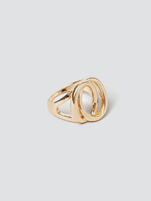 Gina Tricot Gold Sculpt Ring