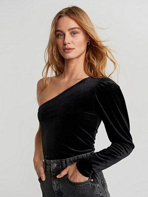 Gina Tricot One shoulder velvet top
