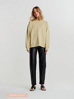 Gina Tricot svarta byxor Premium leather trousers