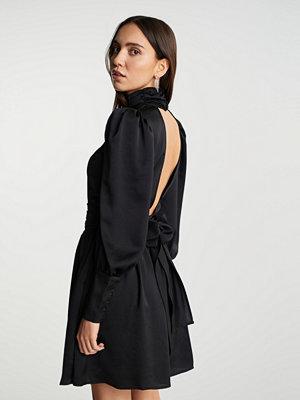 Gina Tricot Liv open back dress